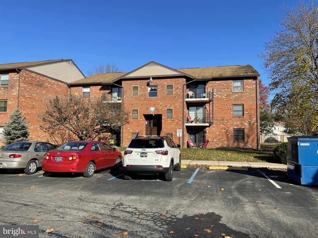 Dover DE Condominium Real Estate Sales - 7 Harlech Hall English Village Harlech Hall For Sale