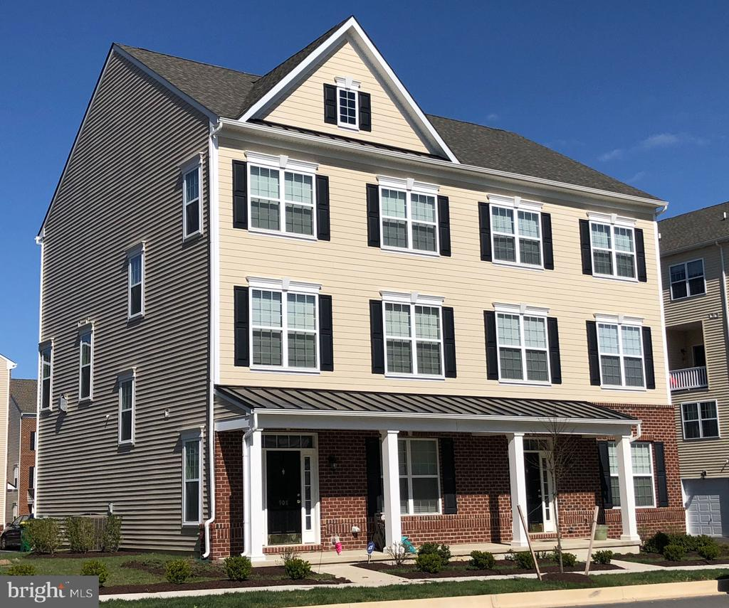 Claymont DE Condominium Real Estate Sales - CL Mccomb Darley Green  For Sale