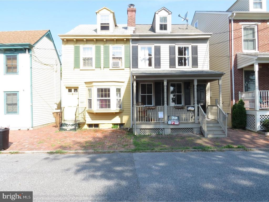 220 2ND, New Castle, Delaware