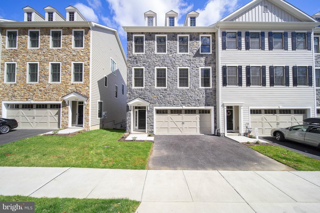 2544 RIDDLE, Wilmington, Delaware