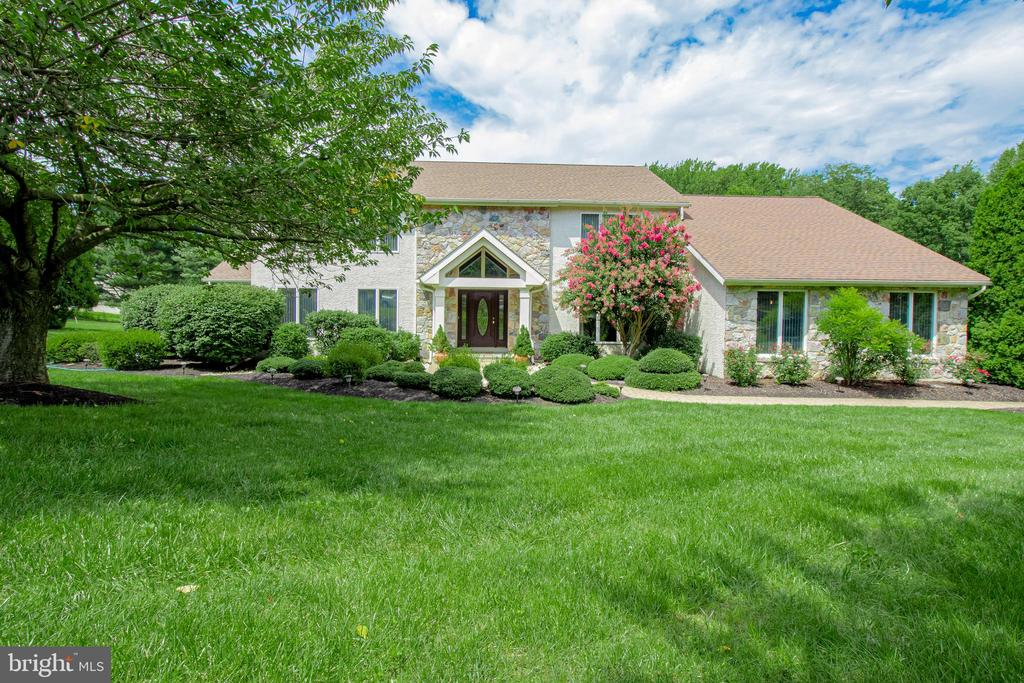 Hockessin DE Single Family Home Real Estate Sales - 7 Crimson Autumn Hills  For Sale
