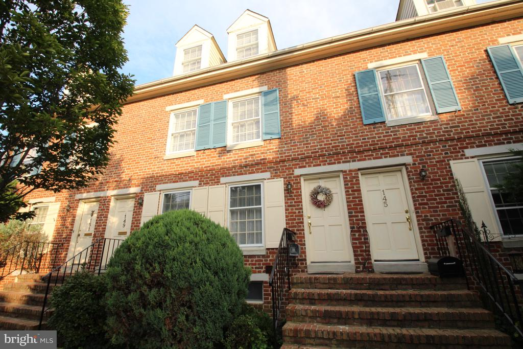 New Castle DE Condominium Real Estate Sales - 147 3rd Old New Castle  For Sale