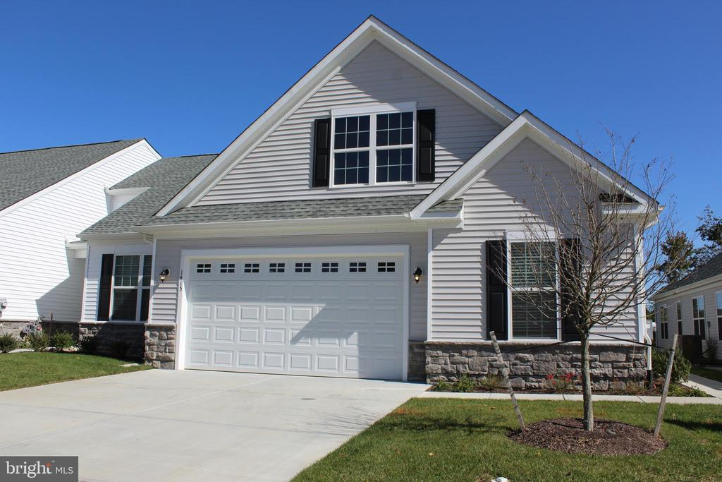 Middletown DE Condominium Real Estate Sales - 1415 Whispering Woods Whispering Woods  For Sale
