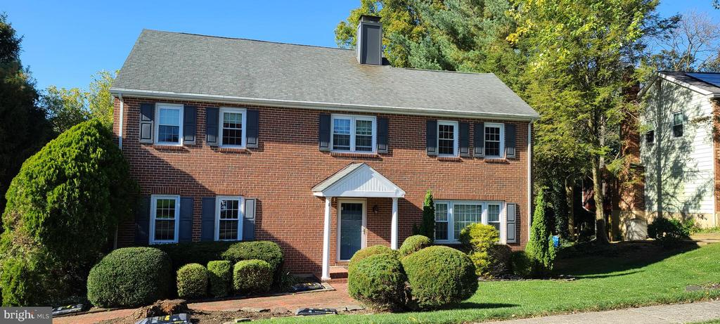 Hockessin DE Single Family Home Real Estate Sales - 6 Kings Grant Charter Oaks  For Sale