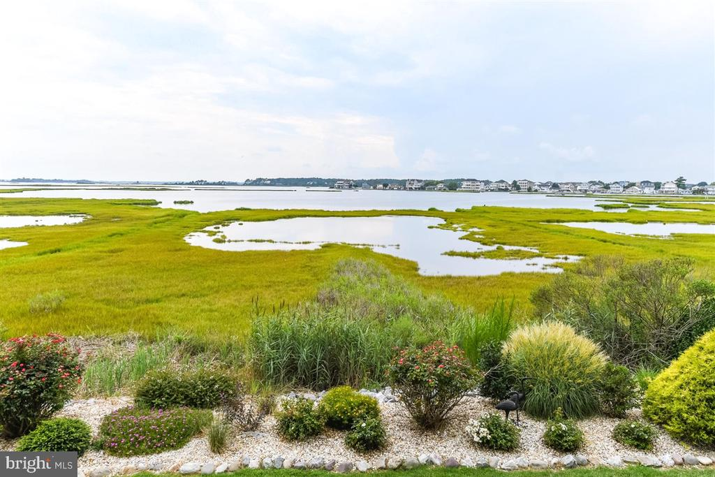 Selbyville DE Condominium Real Estate Sales - 37304 Lighthouse Mallard Cove On The Bay  For Sale