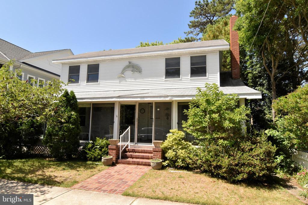 Rehoboth Beach DE Single Family Home Real Estate Sales - 105 Laurel South Rehoboth  For Sale