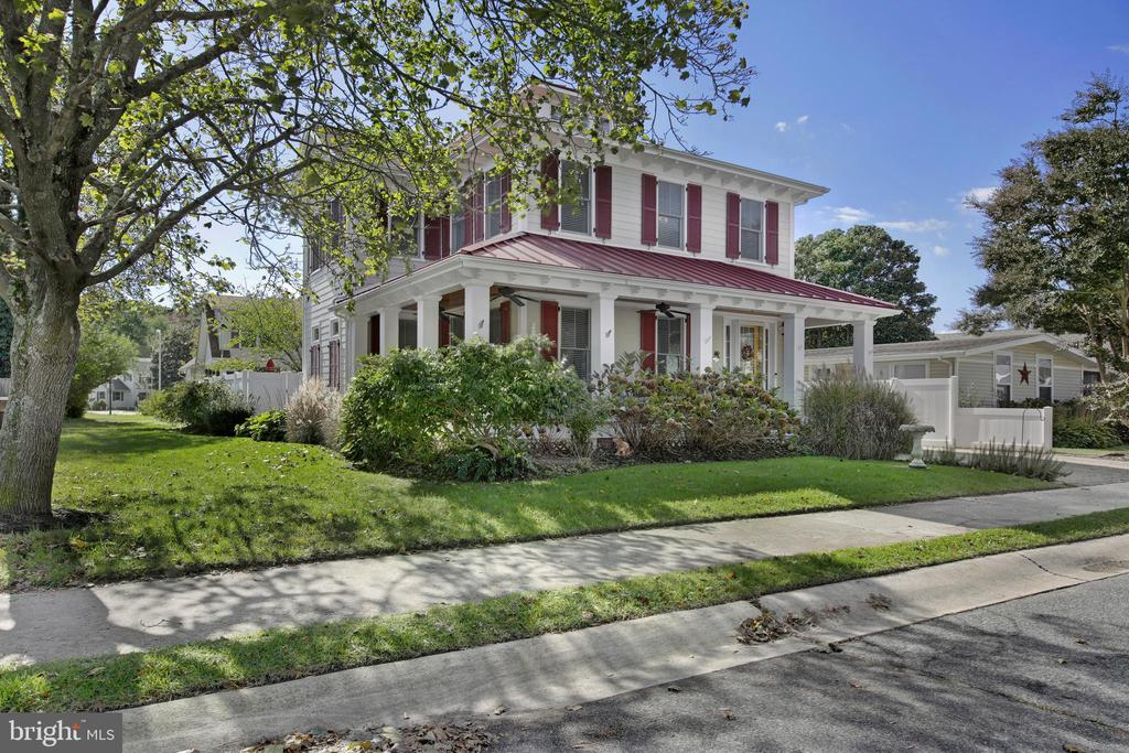 Rehoboth Beach DE Single Family Home Real Estate Sales - 318 Laurel Country Club Estates  For Sale
