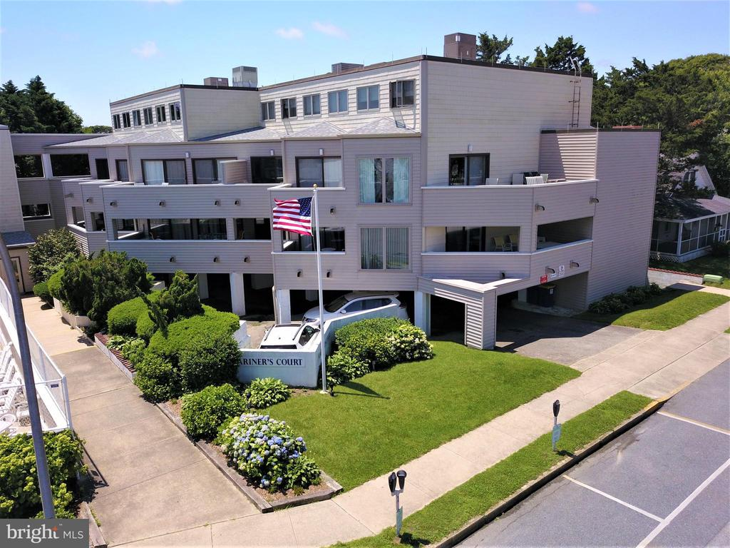 Rehoboth Beach DE Condominium Real Estate Sales - 4 Laurel Street  Mariners Court For Sale