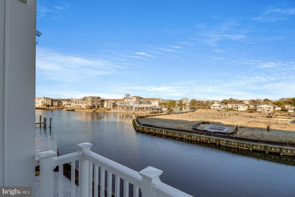 Fenwick Island DE   Real Estate Sales - 39010 Beacon Lighthouse View Lighthouse View For Sale