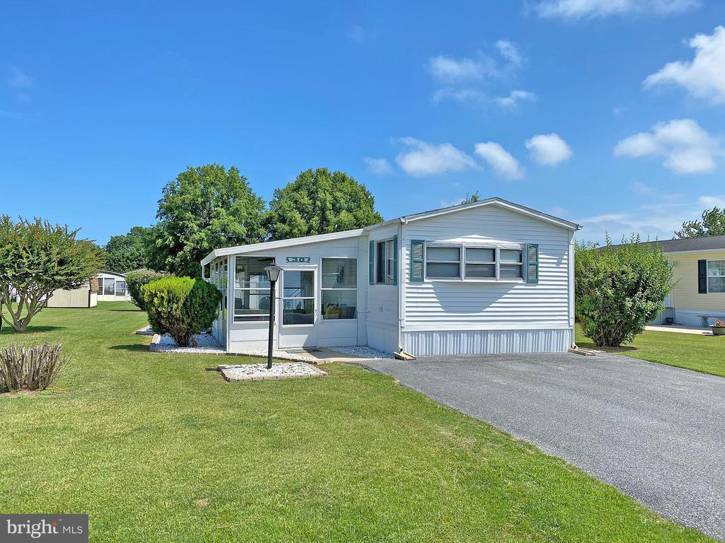 Rehoboth Beach DE Mobile Home Real Estate Sales - 30 Baybreeze Silverview Farm Mobile Home Park  For Sale