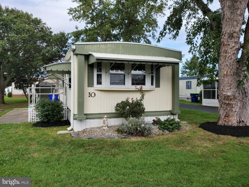 Rehoboth Beach DE Mobile Home Real Estate Sales - 10 Candlelight Colonial East Mobile Home Park  For Sale