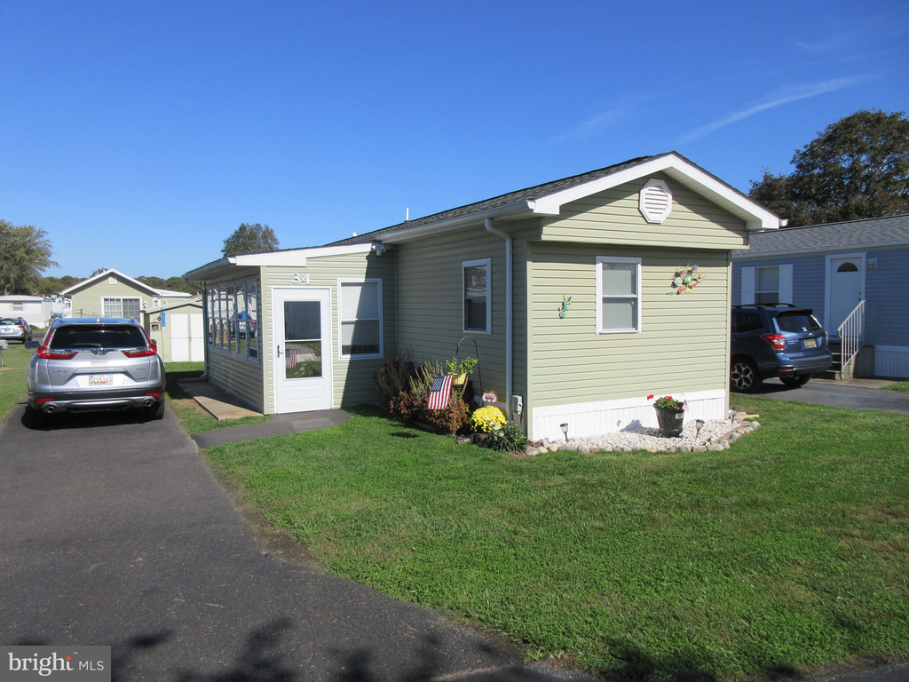 Rehoboth Beach DE Mobile Home Real Estate Sales - 34 Lantern Colonial East Mobile Home Park  For Sale