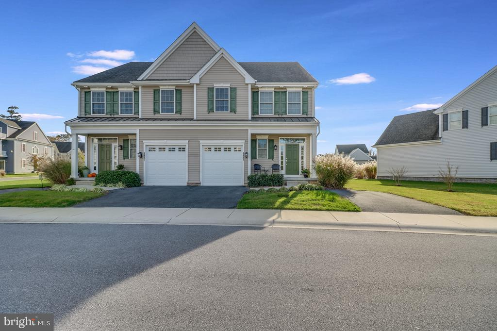 Rehoboth Beach DE Condominium Real Estate Sales - 36433 Warwick Seasons  For Sale