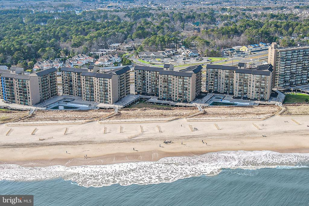 Bethany Beach DE Condominium Real Estate Sales - 209 Georgetowne House Sea Colony East Sea Colony Georgetown For Sale