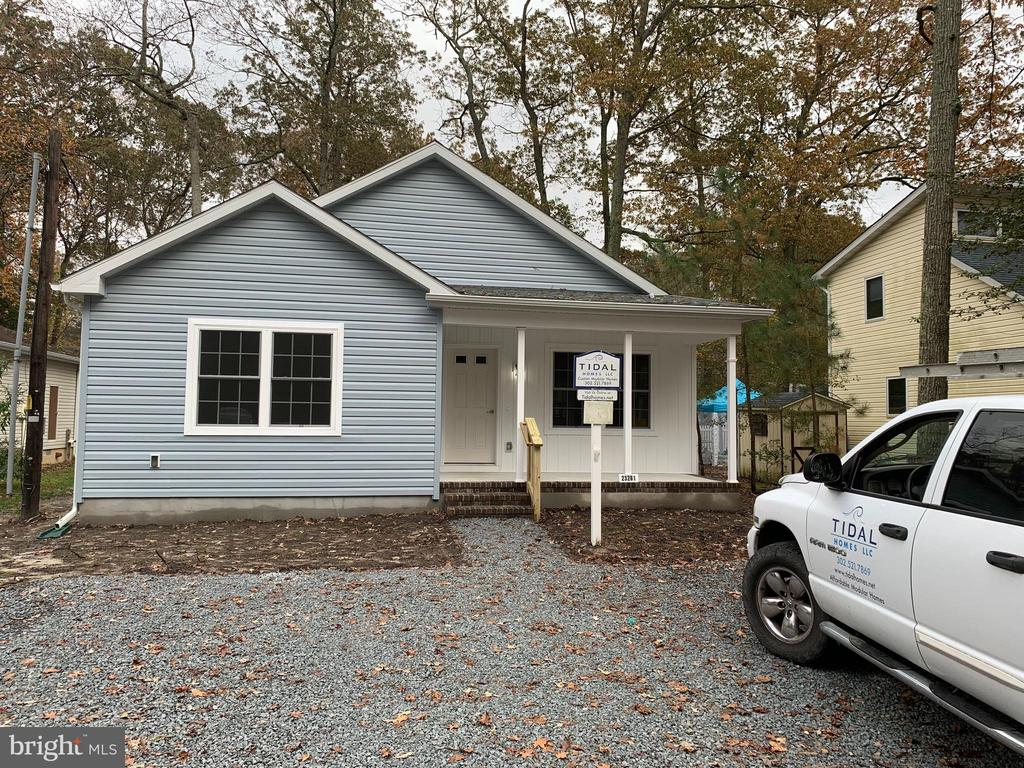 Lewes DE Single Family Home Real Estate Sales - 4 Linden Angola By The Bay  For Sale