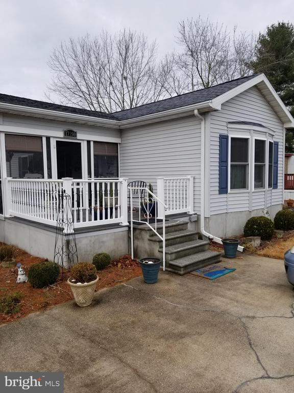 Lewes DE Mobile Home Real Estate Sales - 17290 Pine Water Sweet Briar Mobile Home Park  For Sale